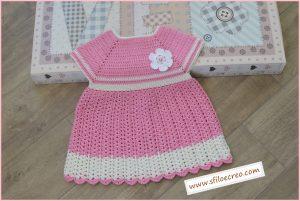 Vestitino rosa da bimba a uncinetto
