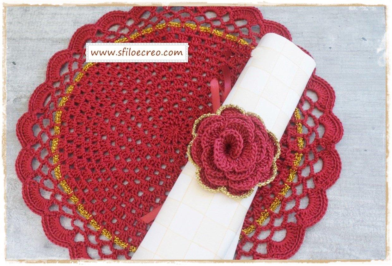 Read more about the article Portatovaglioli natalizi con rose