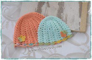 Cappellini colorati a uncinetto con ventaglietti