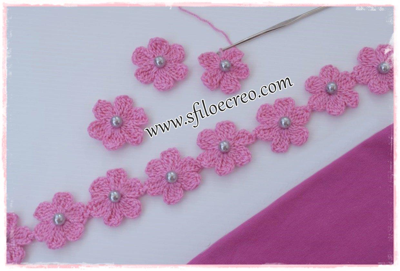 bretelle a uncinetto con fiori e perline